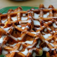 53a07426147f7_-_cos-06-cinnamon-roll-waffles-de_normal